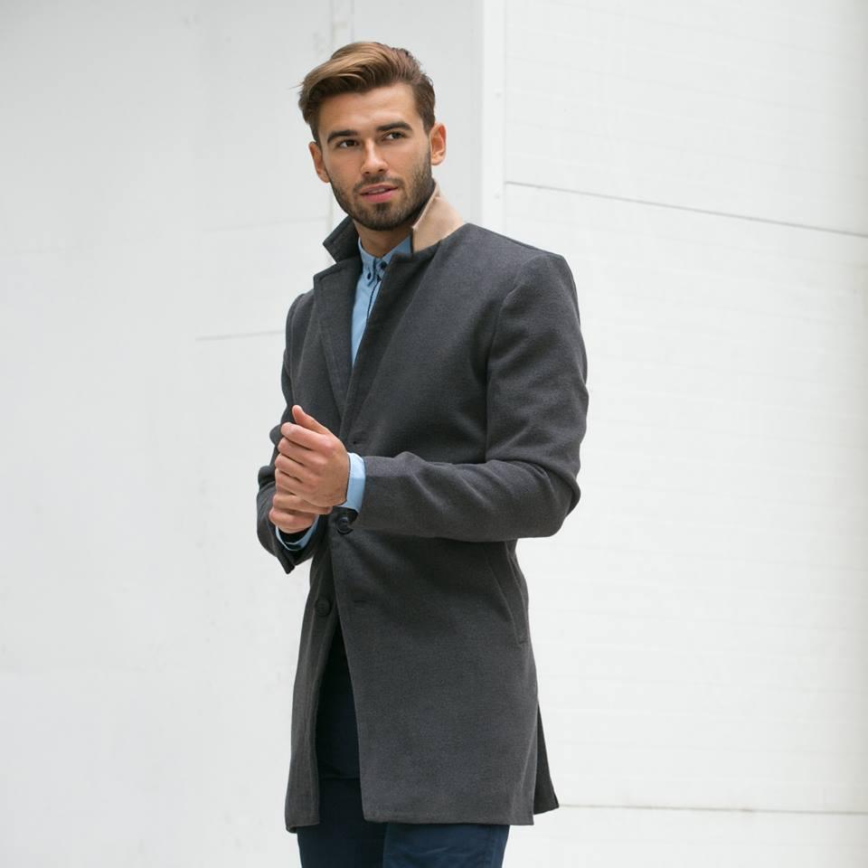 elegantný pánsky kabát